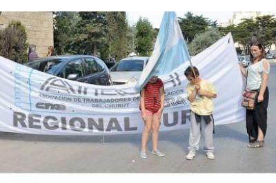 Docentes se manifestaron en contra de la criminalización de la protesta social