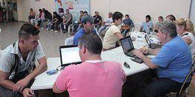 """Reempadronamiento a beneficiarios de """"Argentina Trabaja"""""""