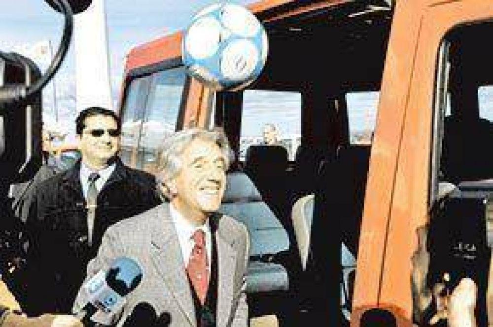 La pelea de los Kirchner con Tabaré se coló en la campaña de Uruguay