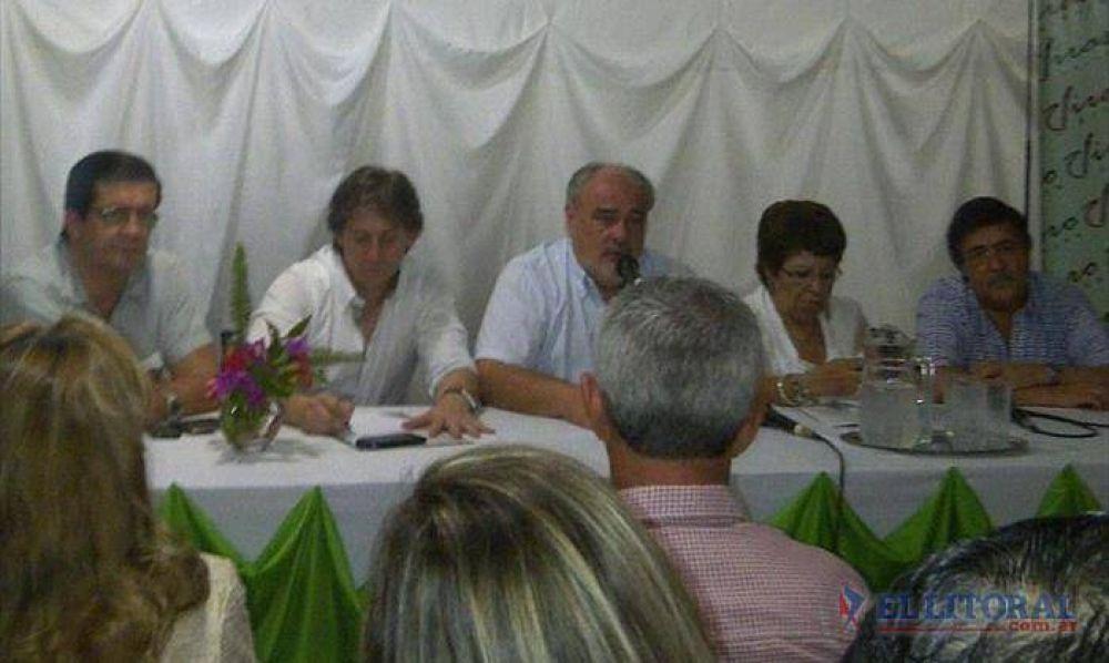 Colombi girará más fondos a municipios desde junio, pero pidió control de gastos