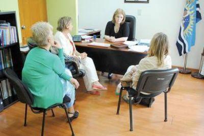 Educación y PAE acordaron dar continuidad a capacitación para docentes de Pico Truncado