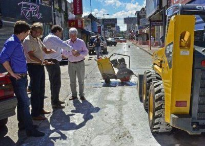 Avanza la remodelación del centro comercial de la calle Constitución