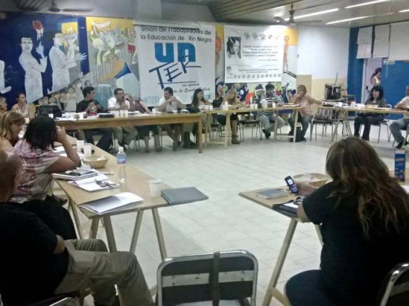 UNTER quiere 35% de aumento y dos paritarias