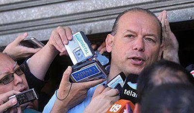 """No descartan """"intención"""" en incendio de Barracas"""