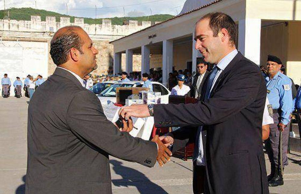 Ascendieron 569 agentes penitenciarios al grado inmediato superior en la ciudad de Salta