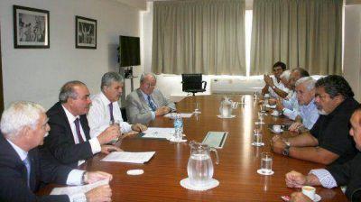 De Vido se reunió con empresarios y gremios de la construcción y metalúrgicos