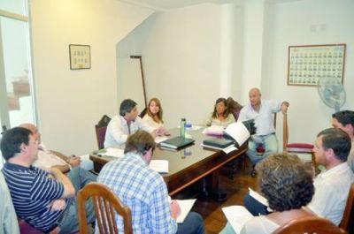 Concejales comenzaron a acordar temas para tratar en sesión extraordinaria