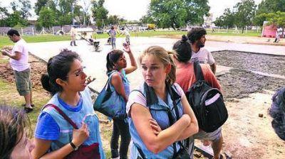 Polémica por una protesta contra las aulas container