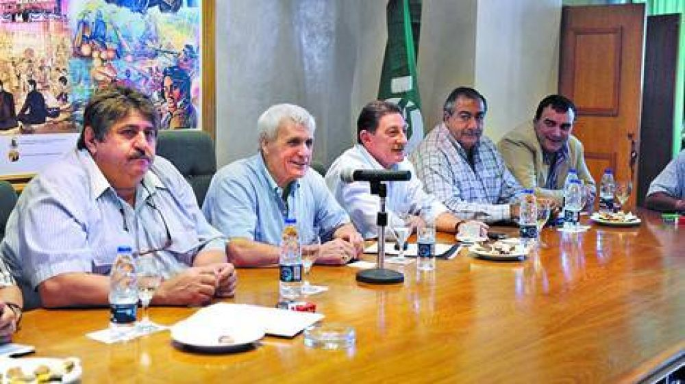 La CGT oficialista amenaza por la plata de las obras sociales