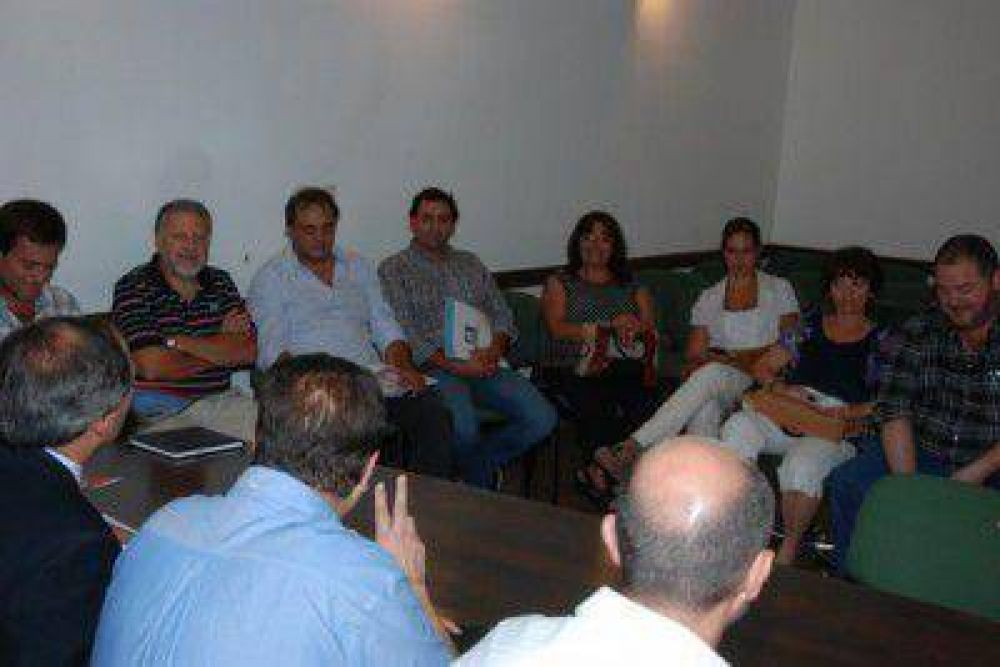 UDOCBA en soledad volvió a plantear el aumento salarial sin obtener respuesta del Gobierno Provincial