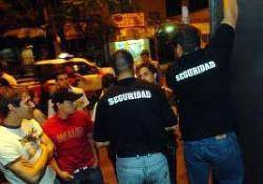 Boliches Bailables en Conflicto por Plan de Lucha de Patovicas