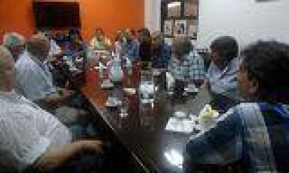 Los municipales lanzan su plan de lucha y buscan apoyo de los Intendentes