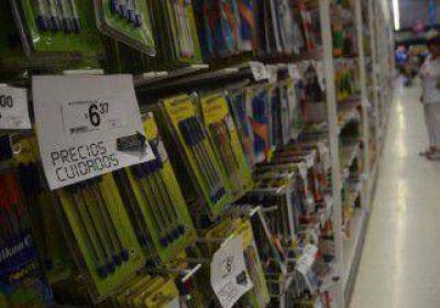 Los supermercados tienen útiles a precios cuidados pero con faltantes