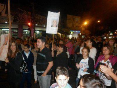 Marcha contra la inseguridad de vecinos de Santos Lugares
