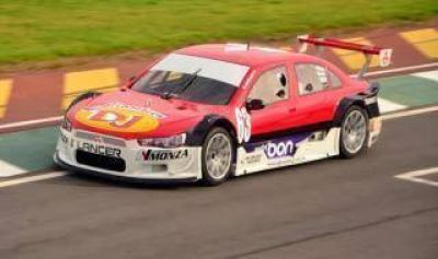 Top Race V6: Girolami se quedó con la punta en Junín