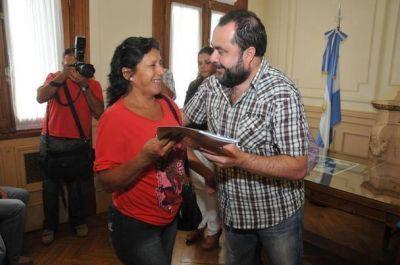 Entregaron pensiones y créditos Nehuentún