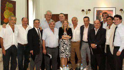 Carossi y otros 10 intendentes de la 2da. Sección, se reunieron con la Ministra Álvarez Rodríguez