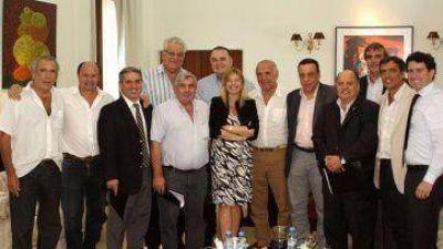 Álvarez Rodríguez, con alcaldes de la Segunda