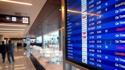 Ante el temor de caer en una crisis, agencias de turismo piden a Economía un dólar más bajo