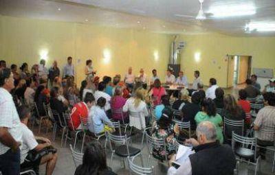 Lunghi convocó a vecinos de Las Tunitas para respaldar su postura de instalar el destacamento