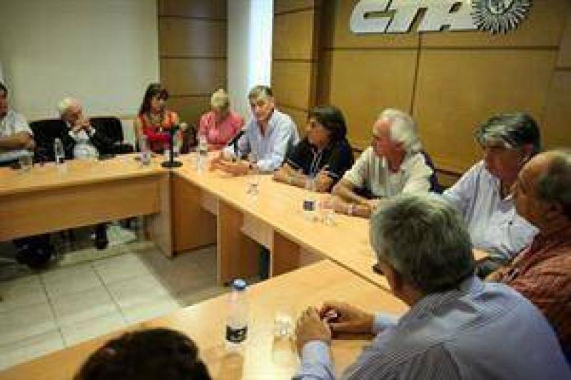 La CTA opositora convocó a dos paros para marzo y criticó duro a Moyano