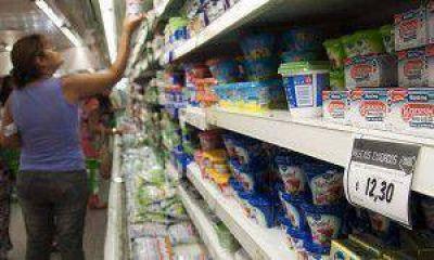 """Mayoristas de alimentos y bebidas denuncian que la industria sube precios """"no controlados"""""""