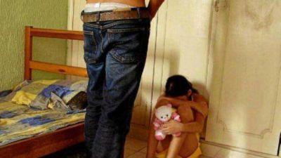 12 años de cárcel por hacer orgías con nena de 10