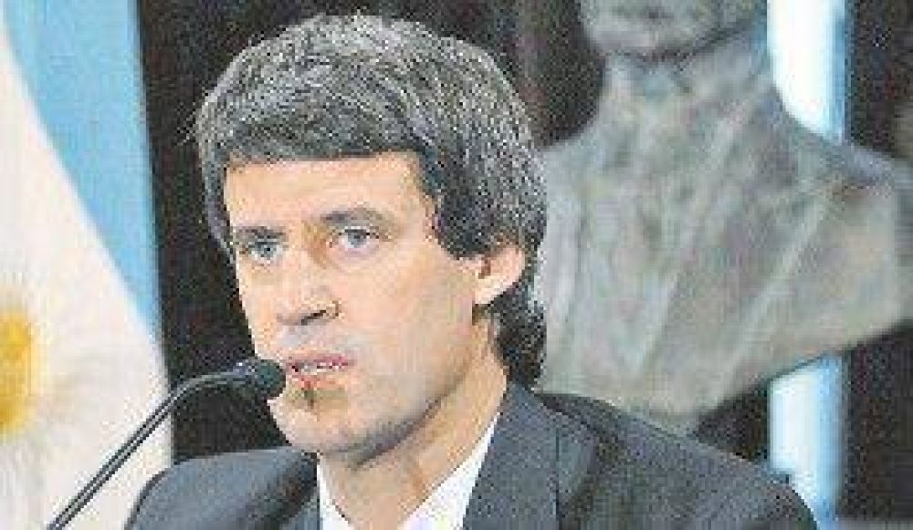 Prat-Gay vaticinó un aumento impositivo