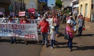 Boletazo: Cortan la ruta 213 en reclamo por un boleto social