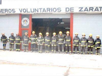 Los Bomberos Voluntarios homenajearon con la sirena al último bombero fallecido