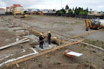 Avanza la construcción del natatorio municipal