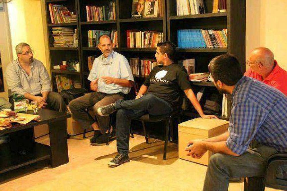 Encuentro entre la CGT Zona Norte y el padre Juan Pablo Contepomi