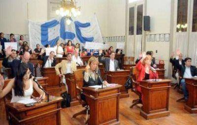 El radicalismo impidió el debate sobre el convenio por CAMI Emergencias y cosechó graves reproches