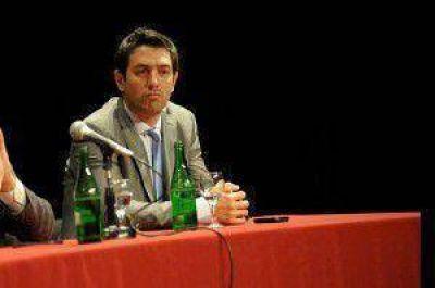 Ramiro Urristi defendió el uso del posnet