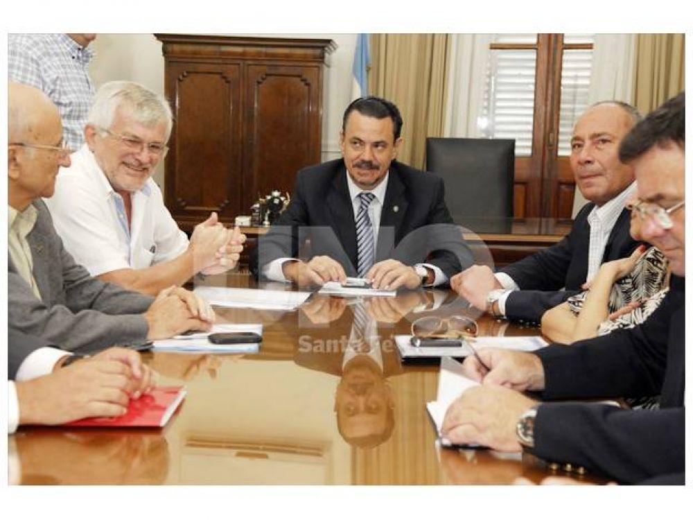 UPCN y ATE aceptaron la propuesta salarial del gobierno provincial