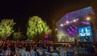 Más de 5000 personas participaron de la primera noche de Semana Federal