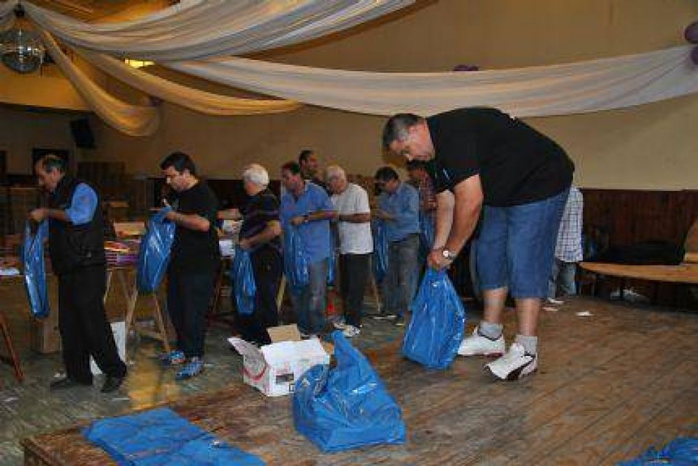 UTA comienza la entrega de 1700 bolsas con útiles escolares a hijos de afiliados