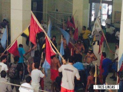 Conflicto guardavidas: a pesar de la denuncia penal continuarán acampando