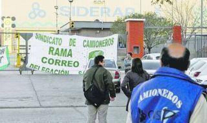 Camioneros bloquea plantas de Siderar en Florencio Varela y Ensenada