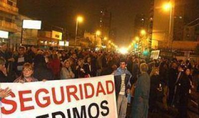 Lanús: Vecinos autoconvocados marcharon en reclamo de seguridad