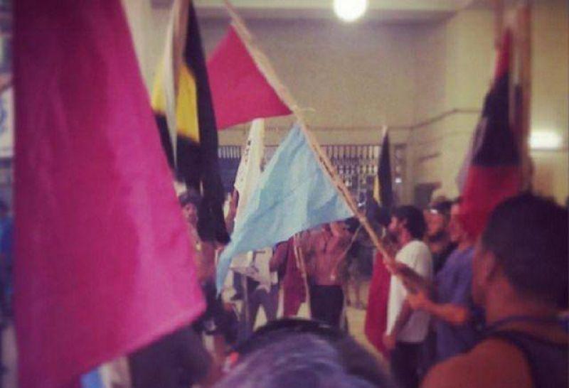 Buscan desalojar a guardavidas del Palacio Municipal