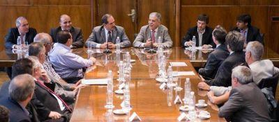 """Tucum�n firma el primer acuerdo de """"precios cuidados"""" para la construcci�n"""