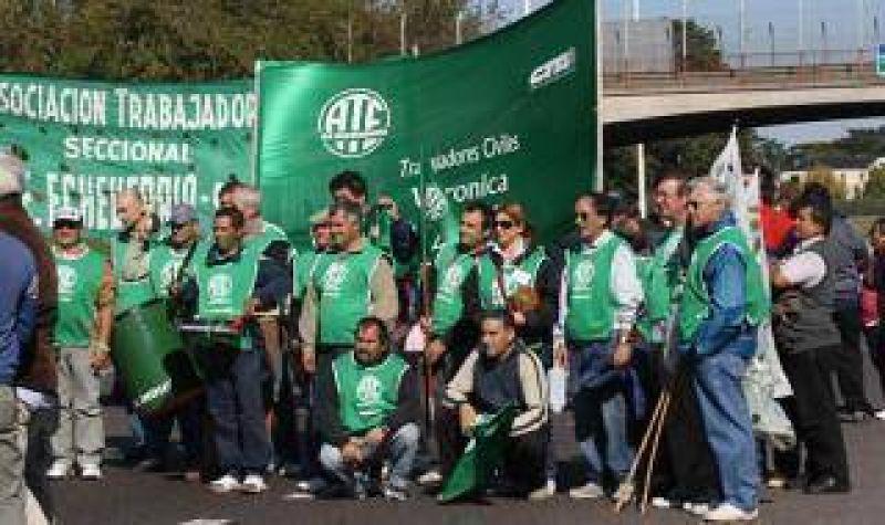 La CTA bonaerense corta la Autopista Buenos Aires - La Plata