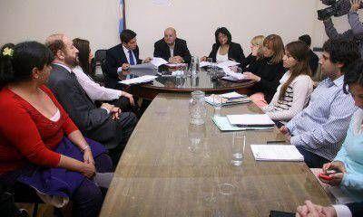 """Caso Luciana: familiares quieren saber por qué el funcionario """"renunciado"""" no fue suspendido"""