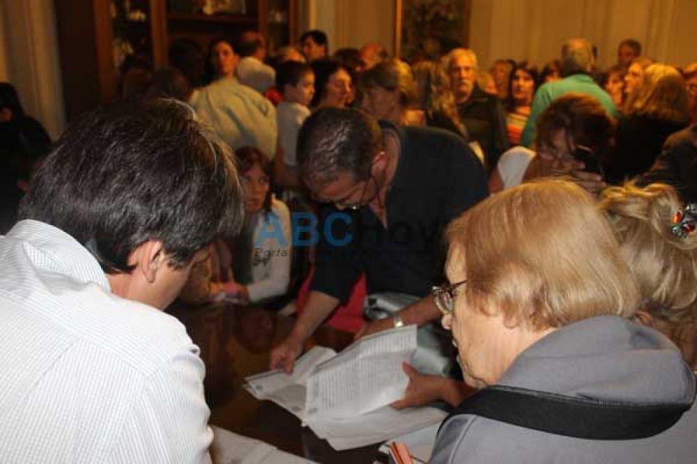 Funcionarios municipales recibieron a adjudicatarios del barrio SMATA