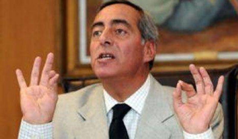 "Víctor Fayad: ""Cobos es el padre Grassi de la política"""