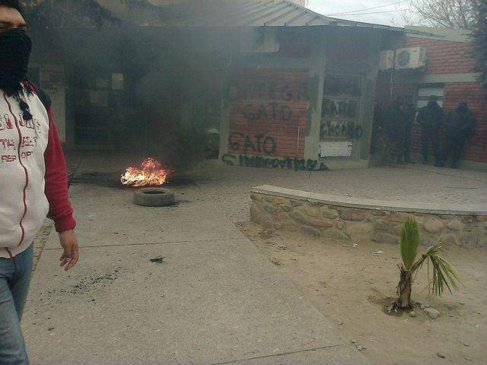 Conflicto en el municipio de Monterrico por precarizados