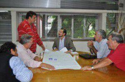 Promueven el desarrollo de emprendimientos turísticos en dique Las Lomitas
