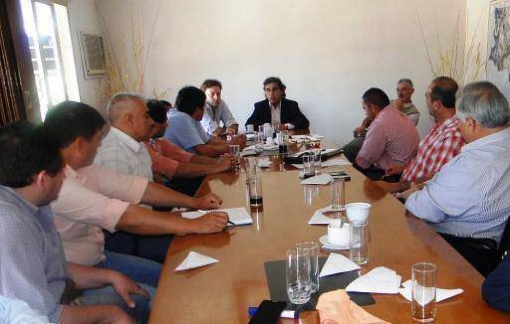 Intendentes apoyan la implementación del Plan Ganadero