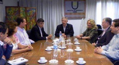 Facultades de la UNNE firmaron convenio con el IPDUV